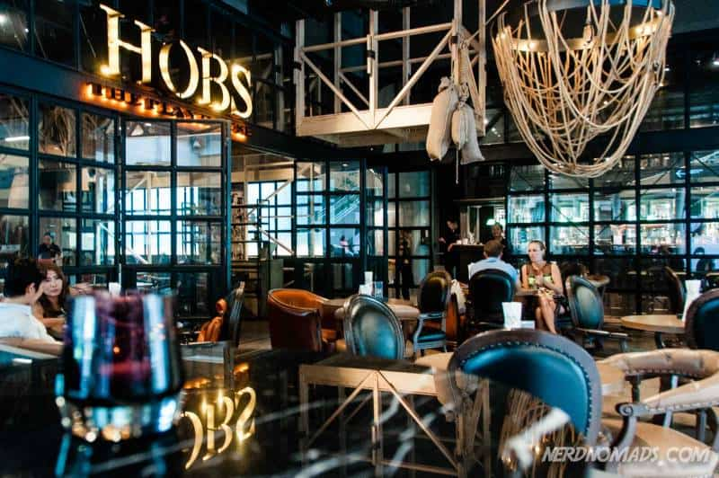 Hobs is a nice laid back restaurant and pub in the Groove area of Central World, serving international food. We had some delicious Norwegian salmon here.