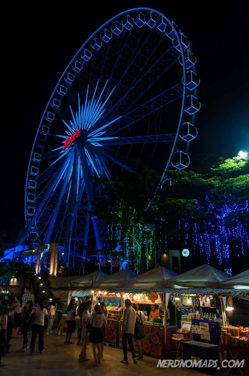 Asiatique has a paris wheel from where you have a fantastic view over Bangkok and the Chao Phraya River