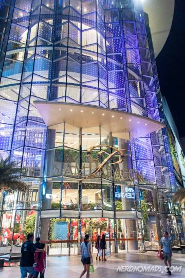 Siam Paragon shopping mall in Bangkok is huge with nine floors