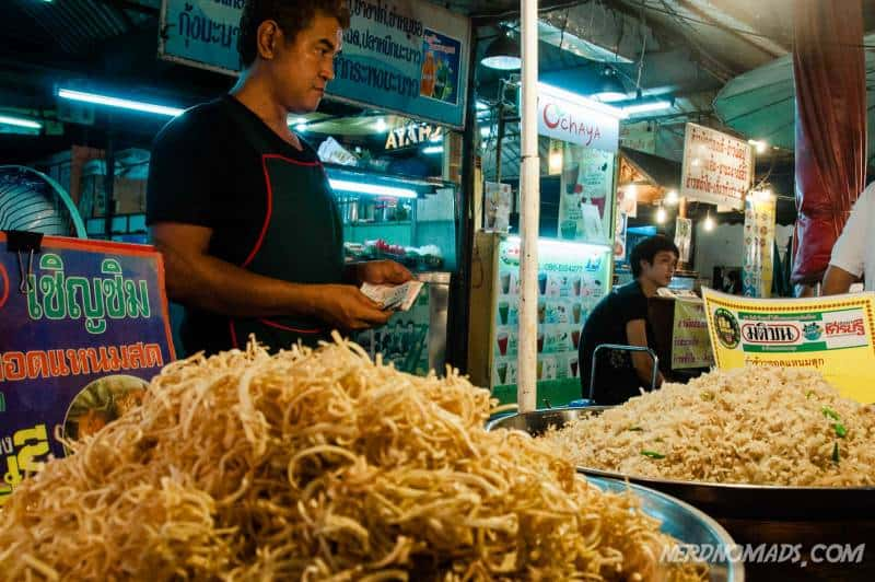 Lots of delicious Thai food and snacks at Klongsan Market in Bangkok
