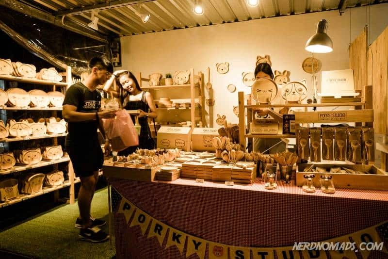 Cute handmade things made of wood at Artbox