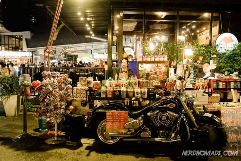 A cool motorcycle bar at Talat Rot Fai Ratchada Market in Bangkok