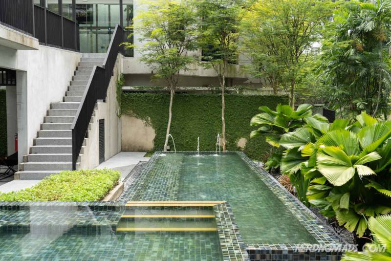 Swimming pool at Lloyd´s Inn Singapore