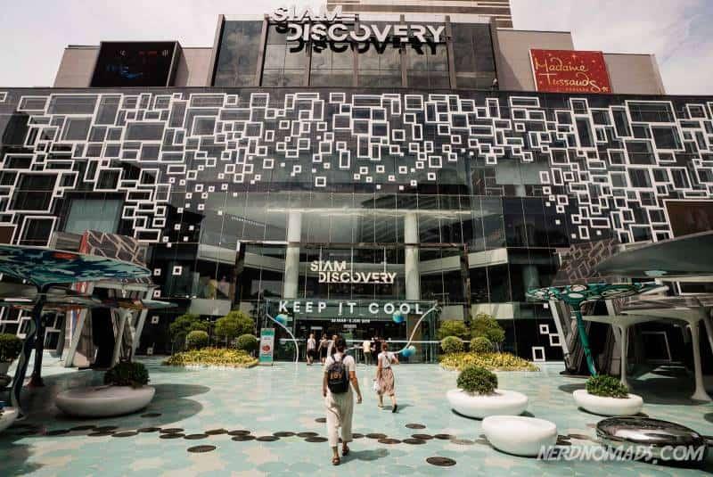 famous footwear queen street mall