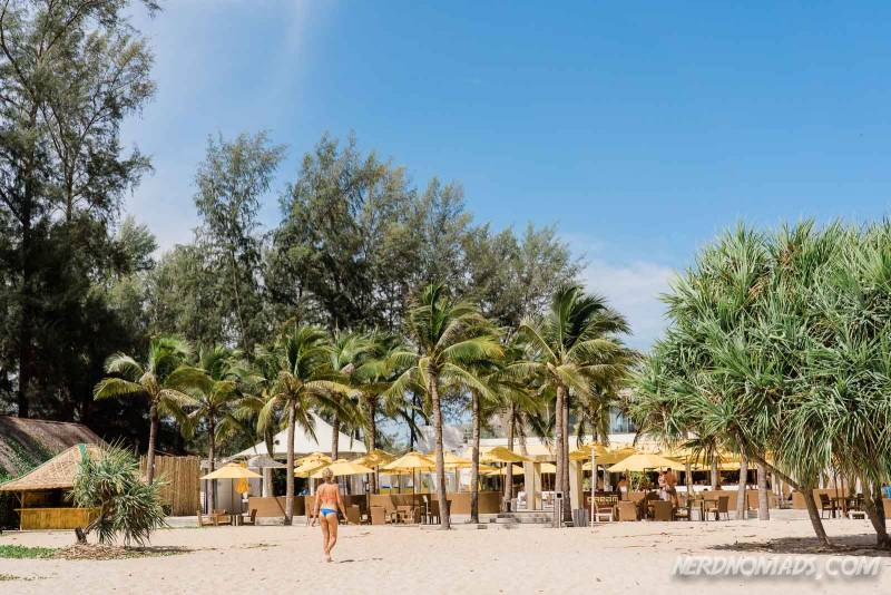 The Dream Beach Club at Bang Tao beach is a great place to hang out both daytime and in the evening