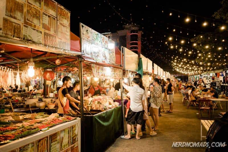 Patong has several cozy markets selling delicious Thai street food
