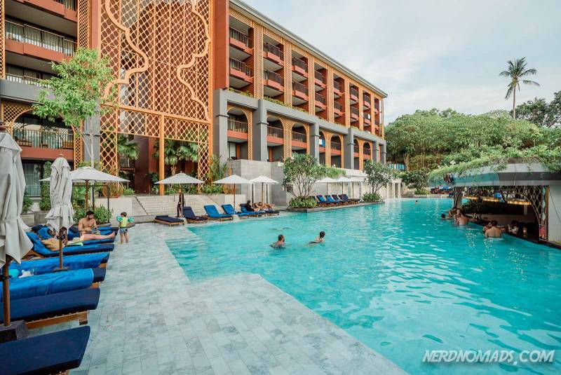 Avista Grande Phuket Karon Hotel has a big outdoor swimming pool
