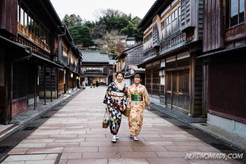 Kimono ladies in Higashi Chaya Geisha District Kanazawa