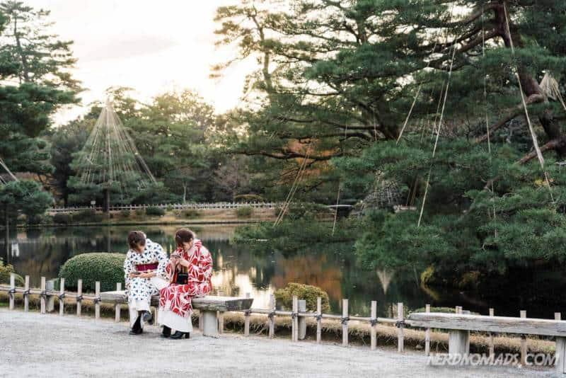 The stunning Kenrokuen Garden in Kanazawa with two kimono dressed girls