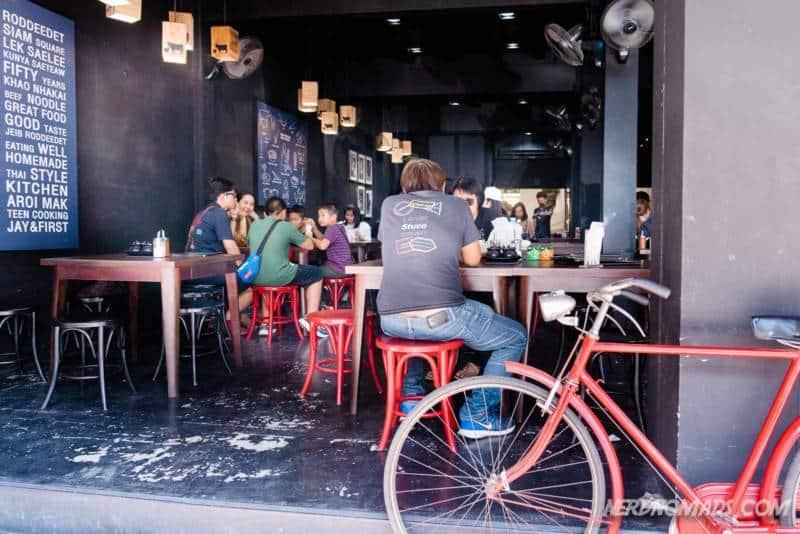 Cool Jeib Roddeedet Restaurant Bangkok