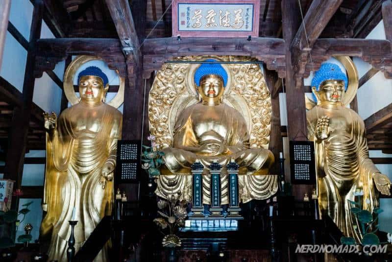 Golden Buddha statues at Shofukuji Temple Fukuoka