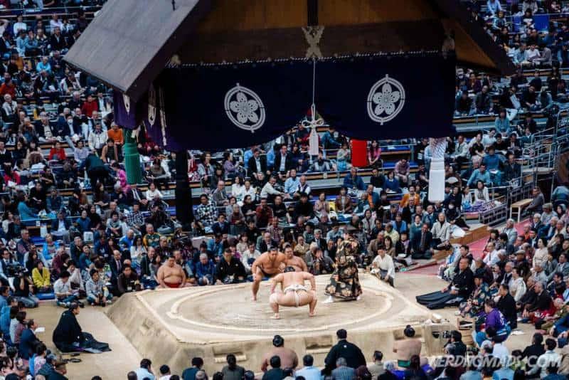 November Grand Sumo tournament i Fukuoka