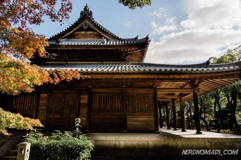 Shofukuji Temple autumn leaves Fukuoka
