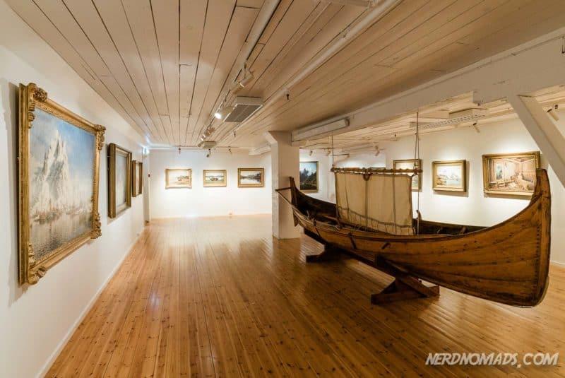 Gallery Lofoten in Henningsvaer