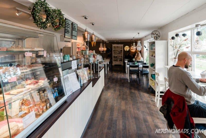 Cozy cafe Bringen, Reine, Lofoten