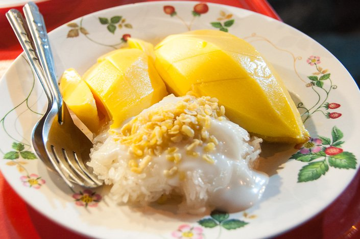 Sticky rice with mango and coconut milk.